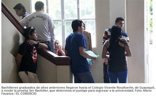 Bachilleres buscan una nueva oportunidad de acceso a la universidad en jornada de cierre de examen
