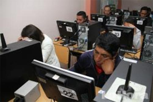 Gobierno de Ecuador se desliga de entregar cupos universitarios