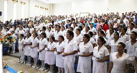 Carrera de Enfermería es sometida a prueba