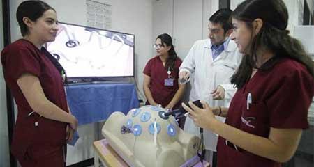 La oferta en universidades privadas en Medicina es limitada