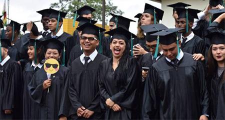 28 de los 99 graduados en Earth, son ecuatorianos